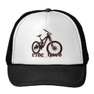 Los gorras montan el logotipo duro de la bici
