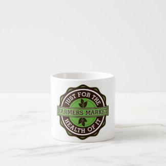 Los granjeros comercializan apenas para la salud d taza espresso