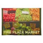 Los granjeros producen el mercado de lugar de Pike Manteles