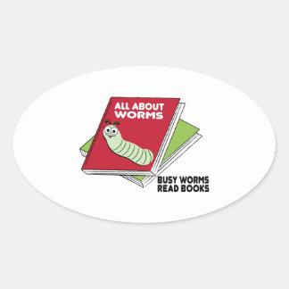 Los gusanos ocupados leyeron los libros pegatina ovaladas personalizadas