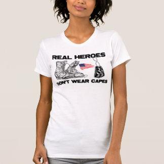 ¡Los héroes reales no llevan cabos! Camisetas