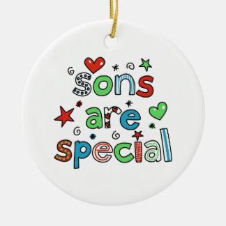 Los hijos son especiales adorno navideño redondo de cerámica