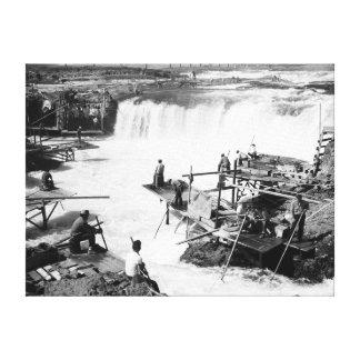 Los hombres que pescan en Celilo se caen fotografí Impresión En Tela