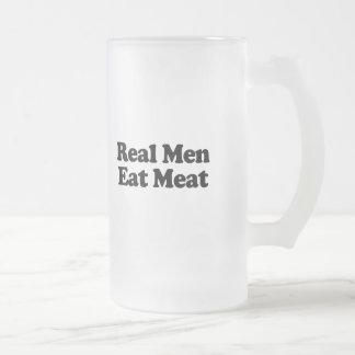 Los hombres reales comen la carne tazas