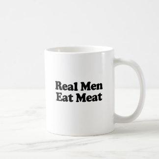 Los hombres reales comen la carne taza de café
