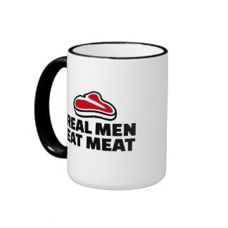 Los hombres reales comen la carne taza a dos colores