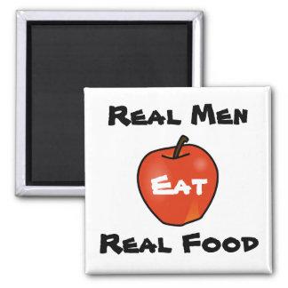 Los hombres reales comen la comida real imán cuadrado