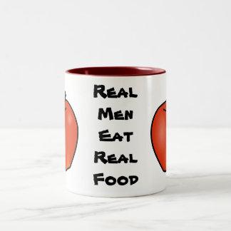 Los hombres reales comen la comida real taza de dos tonos