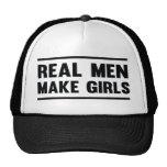 Los hombres reales hacen a chicas gorros