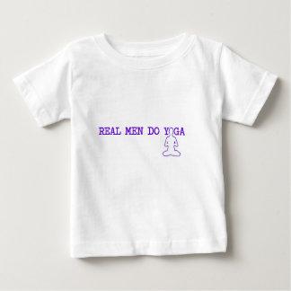 los hombres reales hacen yoga camisas