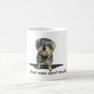 Los hombres reales no cepillan la taza