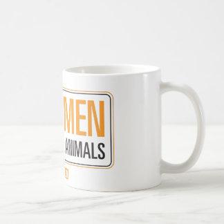 Los hombres reales son buenos con la taza de los a