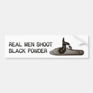 Los hombres reales tiran el polvo negro, rifle del pegatina para auto