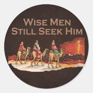 Los hombres sabios todavía lo buscan navidad pegatinas redondas