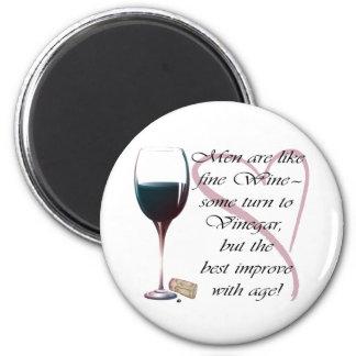 Los hombres son como el imán chistoso del vino fin
