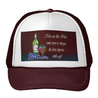 ¡Los hombres son como el vino! Regalos chistosos d Gorros Bordados