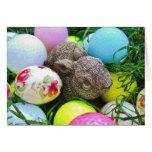 Los huevos de Pascua, conejo, pastel colorearon pe
