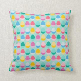 Los huevos de Pascua en colores pastel Cojín