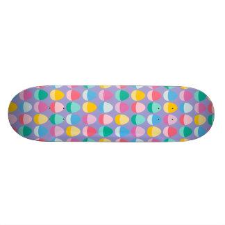 Los huevos de Pascua en colores pastel Patineta Personalizada