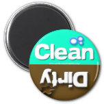 Los imanes del lavaplatos del trullo limpian/sucio