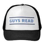 Los individuos leyeron el gorra