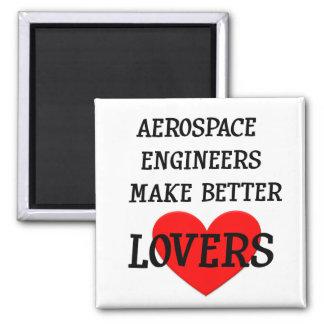 Los ingenieros aeroespaciales hacen a mejores aman imán cuadrado