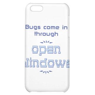 Los insectos vienen adentro a través de ventanas a