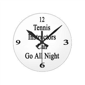 Los instructores del tenis pueden ir toda la noche