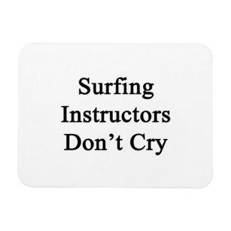 Los instructores que practican surf no lloran imanes flexibles