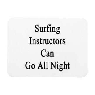 Los instructores que practican surf pueden ir toda iman rectangular