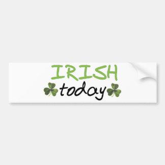 ¡Los irlandeses diseñan hoy! Etiqueta De Parachoque