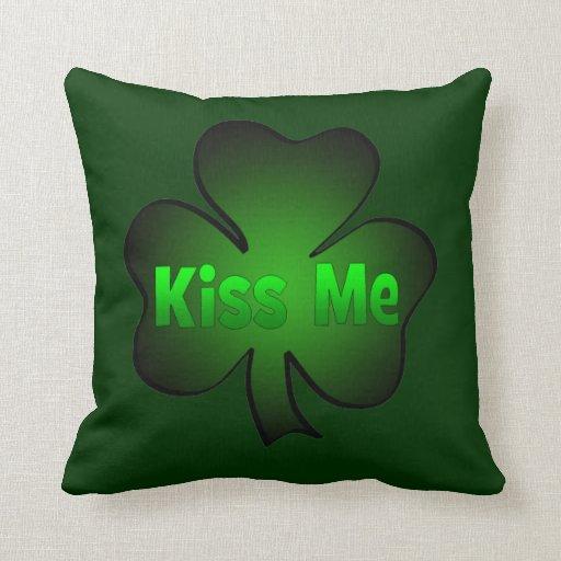 Los irlandeses me besan almohada