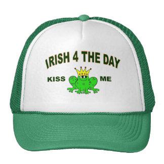 Los irlandeses para el día, me besan gorras