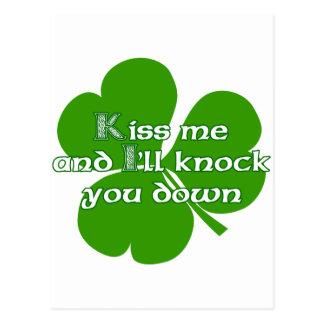 Los irlandeses se besan y le golpearé para tragar tarjetas postales