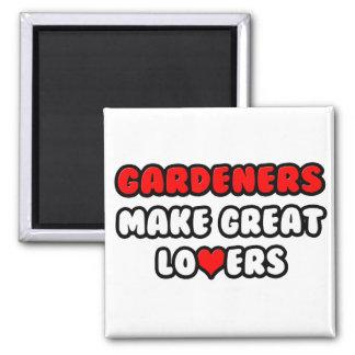Los jardineros hacen a grandes amantes imán cuadrado