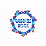 Los jardineros oscilan las estrellas rojas postal