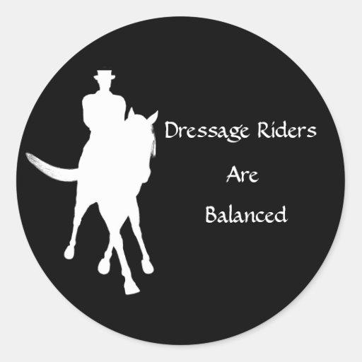 Los jinetes del Dressage son pegatina equilibrado