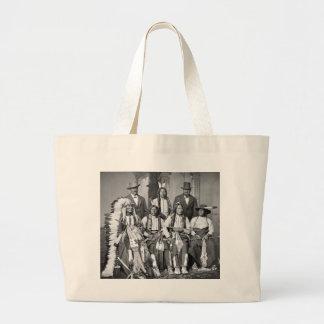 Los jóvenes manchados atan, 1875 bolsa tela grande