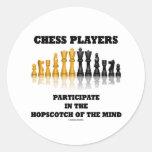 Los jugadores de ajedrez participan en el pegatinas redondas