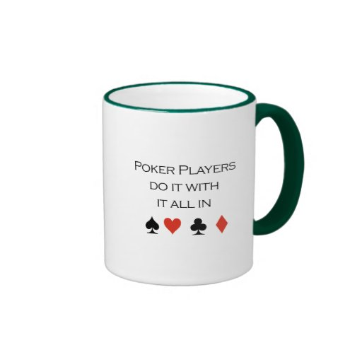 Los jugadores de póker lo hacen todo en camiseta taza