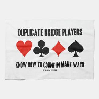 Los jugadores de puente duplicados saben contar toallas de mano