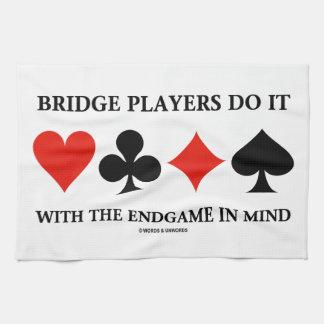 Los jugadores de puente lo hacen con el Endgame en Toalla De Mano