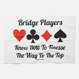 Los jugadores de puente saben cómo a la delicadeza toallas de mano