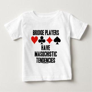 Los jugadores de puente tienen tendencias playera de bebé