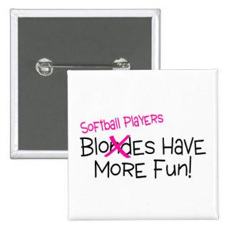 Los jugadores de softball se divierten más pin cuadrada 5 cm