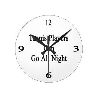 Los jugadores de tenis pueden ir toda la noche