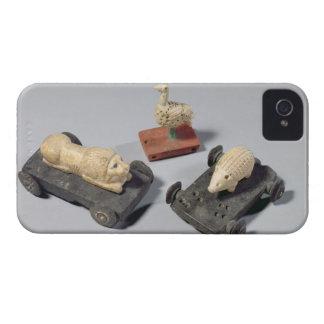 Los juguetes de los niños un erizo un león y una iPhone 4 Case-Mate fundas