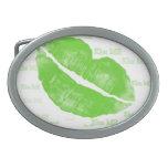 Los labios irlandeses verdes - béseme texto hebillas de cinturon ovales