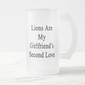Los leones son el amor de mi novia en segundo luga tazas de café