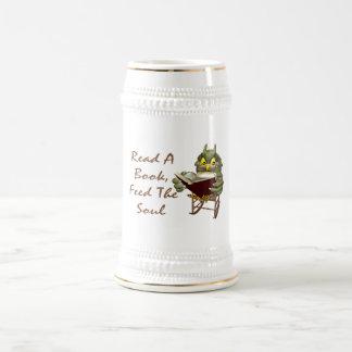 Los libros alimentan a alma el búho sabio jarra de cerveza